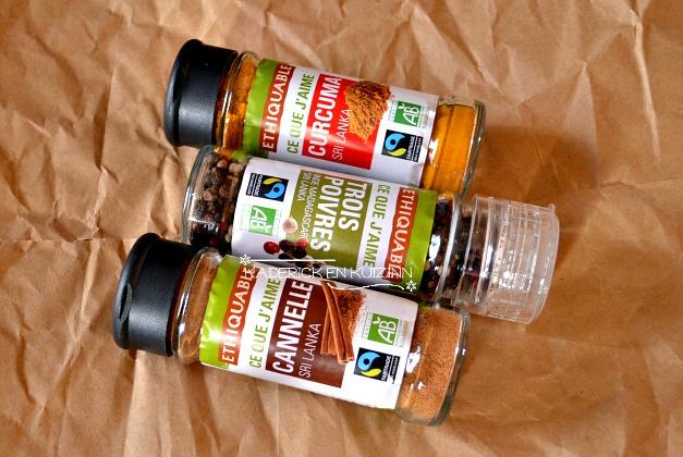 Produits Ethiquable avec du curcuma, cannelle et moulin aux 3 poivres - partenariat