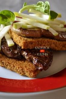 Dégustation tranches foie gras frais poêlées et servies en entrée - recette de fêtes