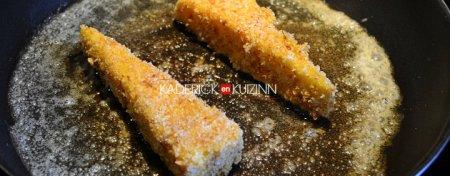 Cuisson des triangles recette fromage Ossau-Iraty dans la poêle beurrée - Recette facile