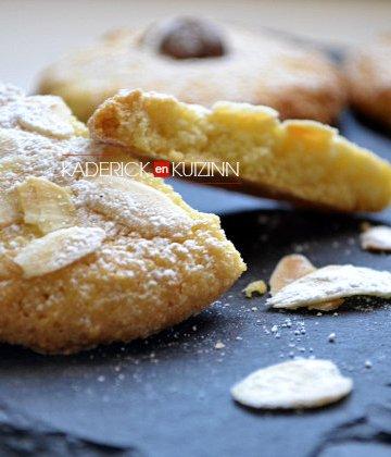 Recette marocaine des ghoriba à la semoule fine et aux amandes - recette de cuisine facile