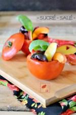 Tomates farcies - Entrée bio sucré-salé de tomates farcies aux fruits d'été