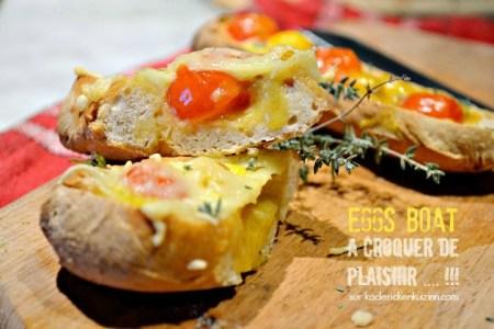 Eggs boat - Pain farci œufs brouillés, tomate, fromage et thym
