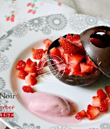 Coque chocolat - Sphère chocolat noir ou blanc aux fraises