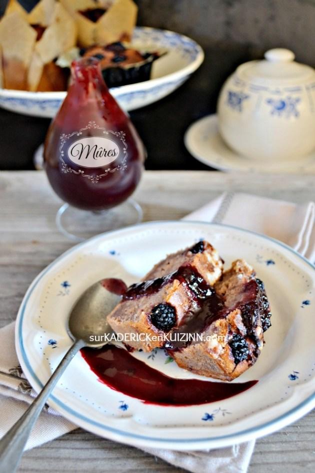 Cake recette - Cake mûres et confiture aux fruits rouges fait maison