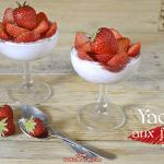 Recette yaourt - Coupe yaourt grec fraises confiture biscuits chez Kaderick en Kuizinn
