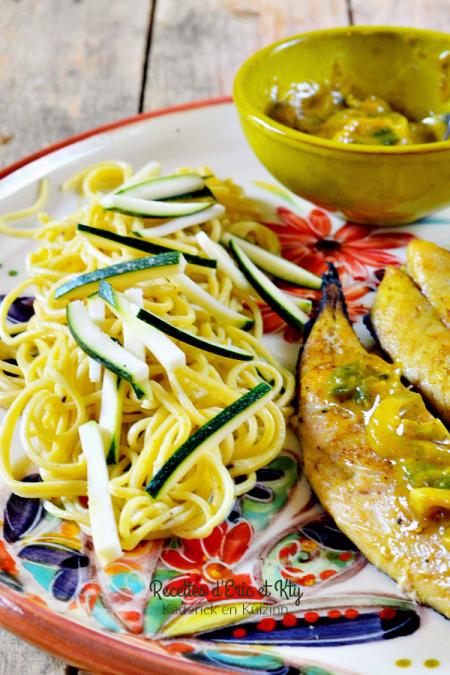 Dégustation spaghettis - Recette pâtes fraiches curcuma et poivre chez Kaderick en Kuizinn