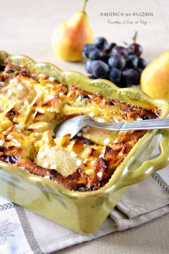 Clafoutis aux pommes poires raisins vanille et grains de sucre