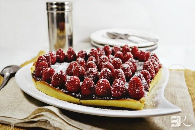 Tarte St Valentin caramel chocolat framboises