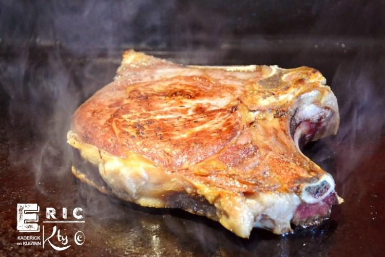 Côte de veau grillée plancha et sauce à l'orange - Kaderick en Kuizin