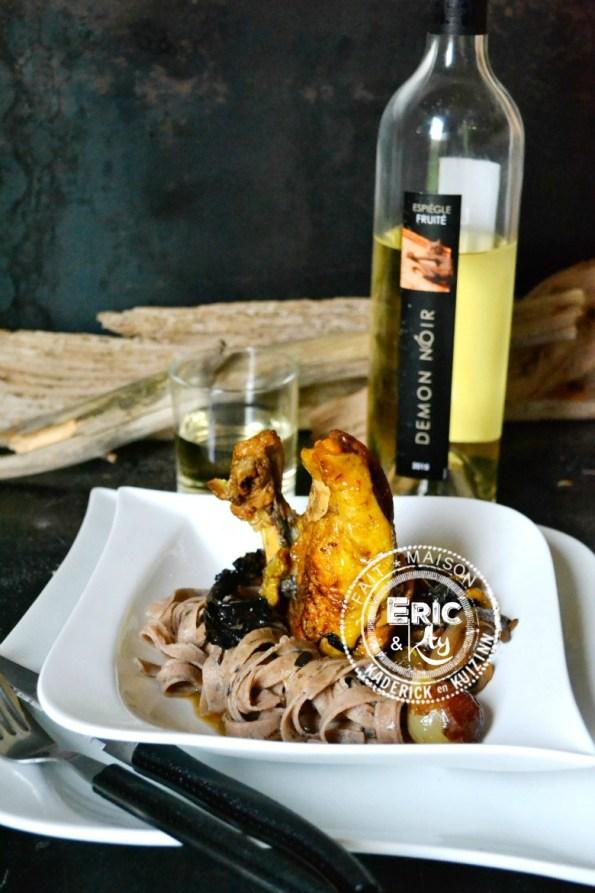 Pintade au vin jaune champignons pâte fraîches à la farine de châtaigne