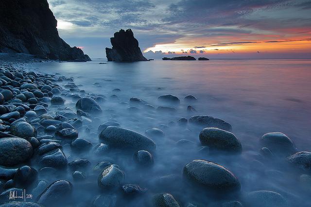Długi czas naświetlania - fotografia krajobrazowa nad morzem