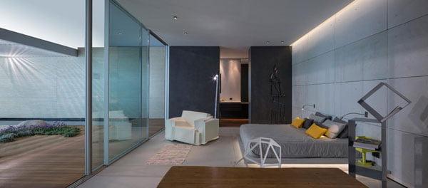 light hotel,