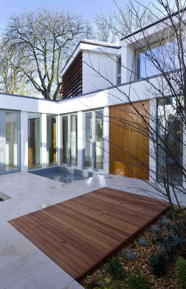 Courtyard-House-Design-Synopsis-by-Ansham-Architects-(7)