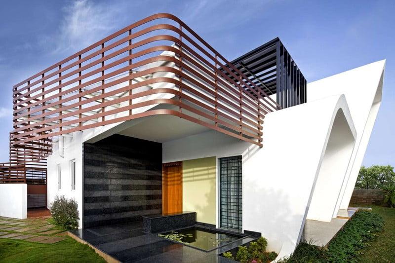 modern house design with inner courtyard,