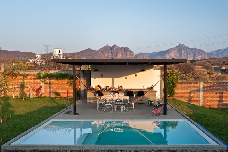 Parabolic Vaulted Ceiling House Design Unconventional Architecture Approach In Mexico (5)