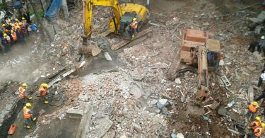 3 storey building collapses