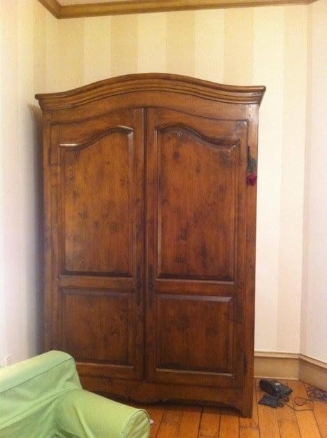 Hidden Bookshelf Door of Secrete Playroom Behind Wardrobe 1