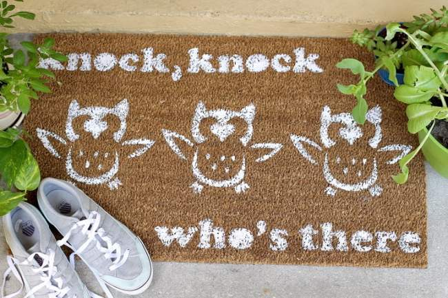 DIY-Doormat-for-knock-knock-who-is-there