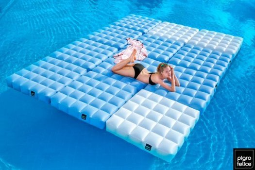 inflatable outdoor sofa for pool by Pigro-Felice