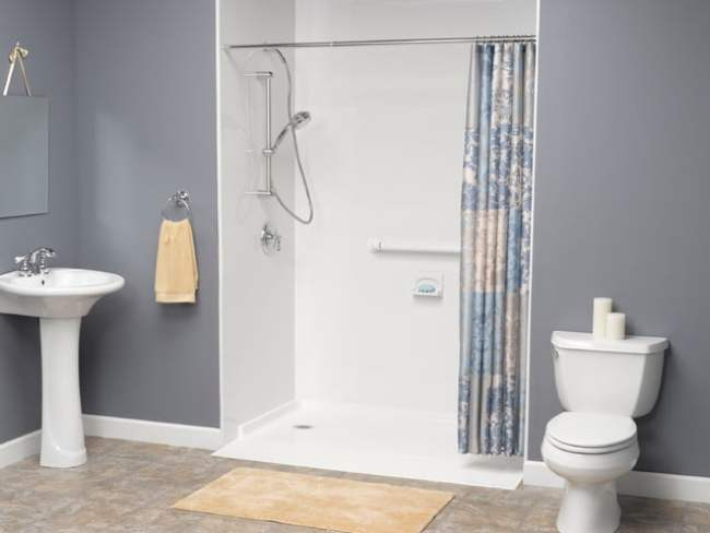 Shower Enclouser for Handicapped Accessible in Modern Bathroom