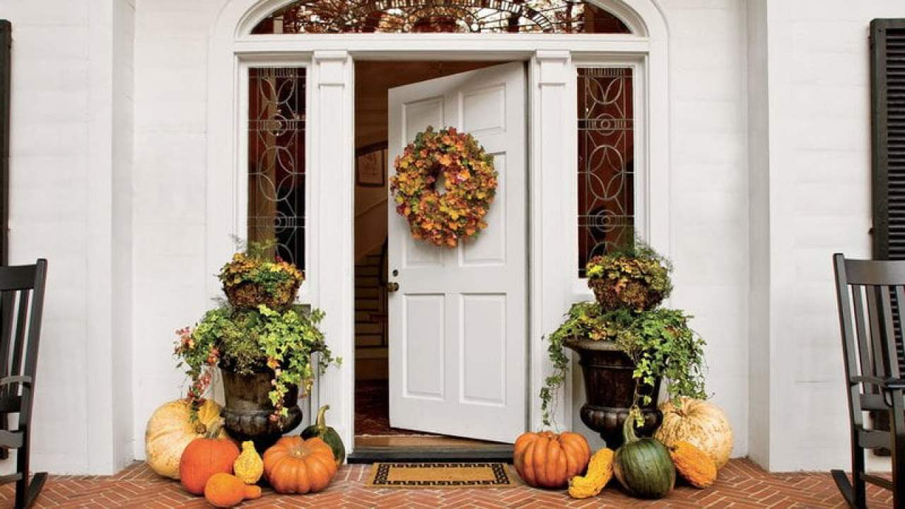 Best inexpensive front porch fall decorating ideas with outside