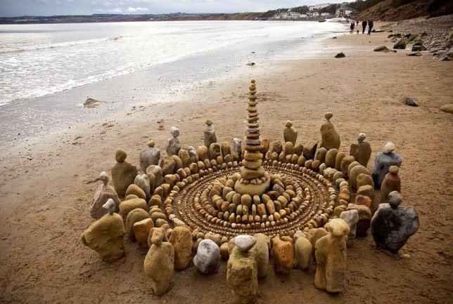 stone art, stone art and craft, stone art painting, artist James Brunt, stone art ideas, how to make stone art, stone art images, stone art pictures, simple stone art, stone art design,
