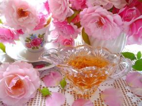 """""""Cottage Garden Rose-Petal Syrup."""" Photo: BecR on Food.com."""