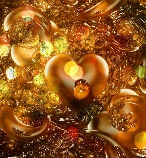 """Gold love"" by HelaLe on Deviantart.com. (Website link embedded within.)"