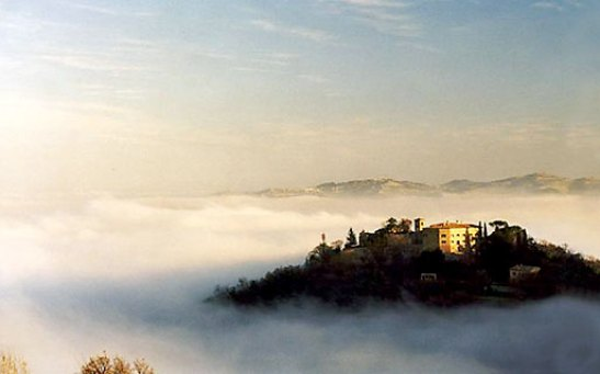Palazzo Viviani Castello di Montegridolfo. Source:  italytraveller.com