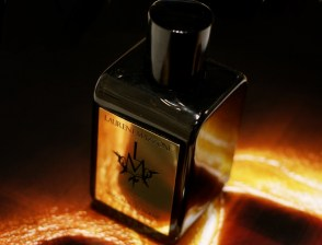 Sensual & Decadent via Fragrantica.