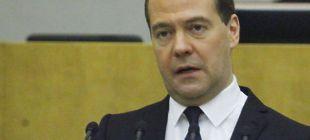 Почему в Ереван и Баку поехал Медведев, а не Путин Огнетушитель для Карабаха