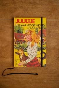 het Kinderboek Juultje en haar vlooienhond is nu een notitieboek geworden met blanco pagina's   gemaakt door Kaftwerk.com