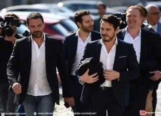 Jérôme Kerviel (G) et son avocat David Koubbi (D) quittent la cour d'appel de Versailles, le 23 septembre 2016
