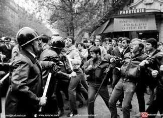 Face-à-face entre manifestants et policiers le 2 mai 1968, boulevard Saint Michel à Paris