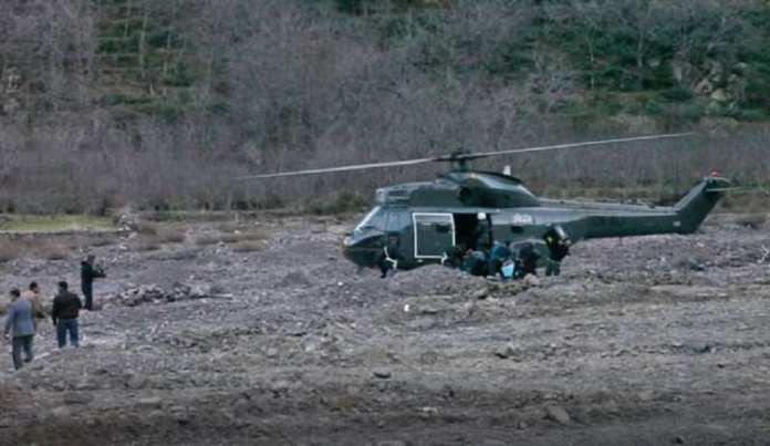 Un hélicoptère sur le lieu du crime