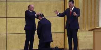 Evêque Edir Macedo formule des prières et consacre Jair Bolsonaro à « l'Eternel Dieu »