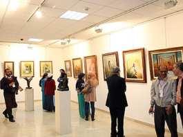 Fes-Vernissage-du-3eme-salon-du-Maroc-des-arts-plastiques-L-artiste-Abdelkader-Rhorbal-M