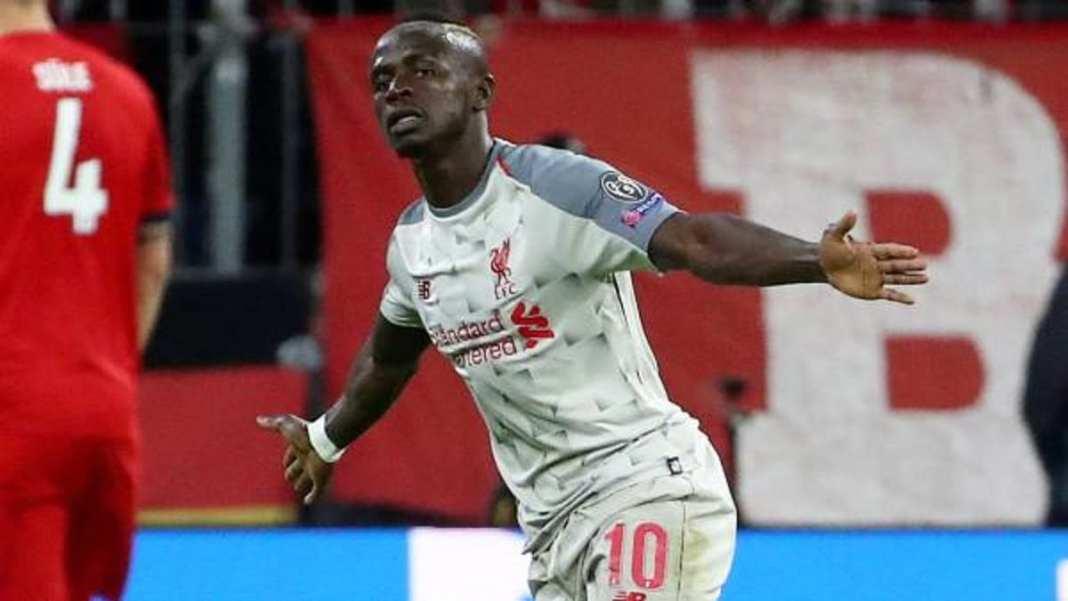 Le Sénégalais Sadio Mané fête le premier de ses deux buts pour Liverpool contre le Bayern Munich, le 13 mars 2019. (,footballeurs ,africains)