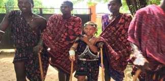 Le Suédois qui ne porte que des robes Maasaï