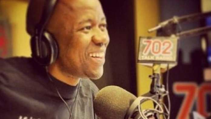 Xolani Gwala , diffuseur sud-africain, 44 ans