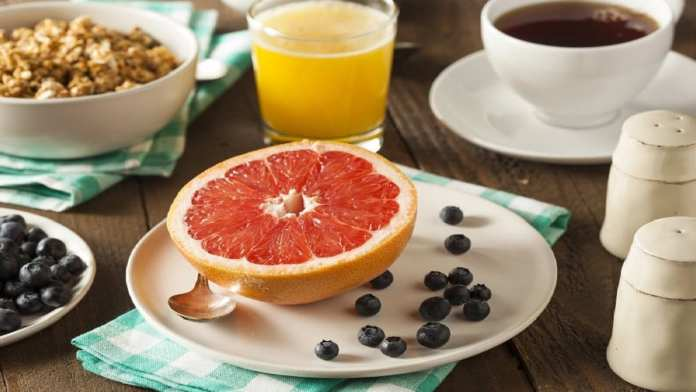 aliments-fibres-fruits-dejeuner