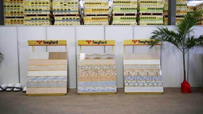 Cap sur l'industrialisation. Inauguration de l'usine Twyford_06