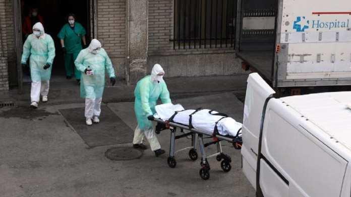 L'Espagne a dépassé jeudi la barre des 4000 morts des suites du Covid-19.