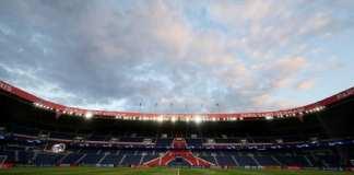 Le football français au bord de la crise / Parc-des-Princes-vide-huis-clos-