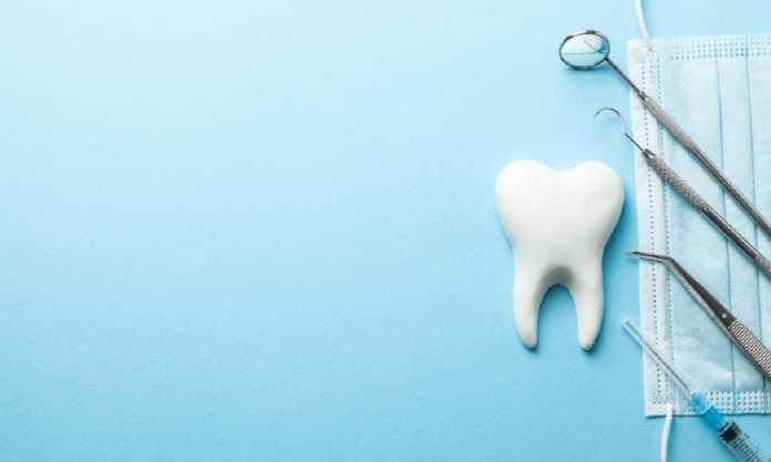 implants dentaires_dents-antibiotiques