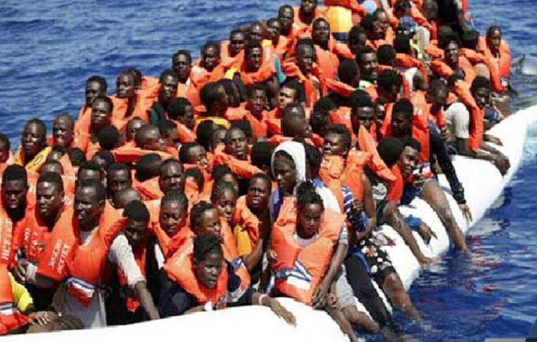 emigration-clandestine-macky-sall-prone-un-renforcement-de-la-surveillance-maritime