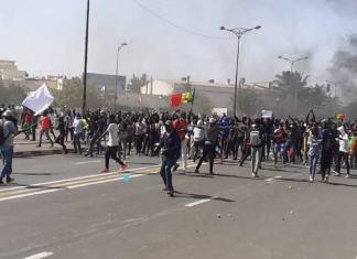 Manifestation Du M2D… A La Place De L'obélisque (DIRECT)