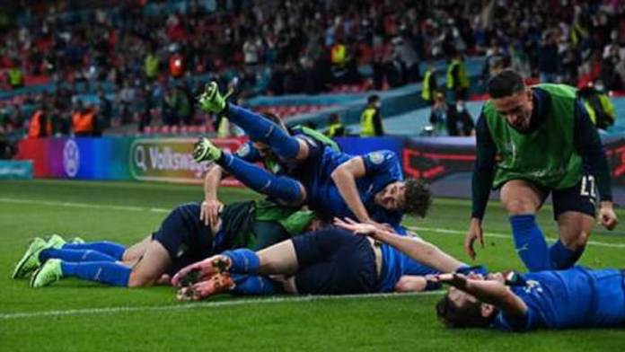 italy-celebrate-italy-vs-austria-www.kafunel.com-euro-2020
