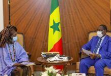 Le Président Macky Sall a reçu en audience la styliste Oumou SY.