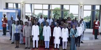 Le chef de l'Etat du Burkina Faso prend contact avec le nouveau gouvernement